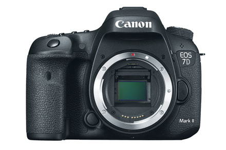 EOS 7D Mark II - Corpo view 1