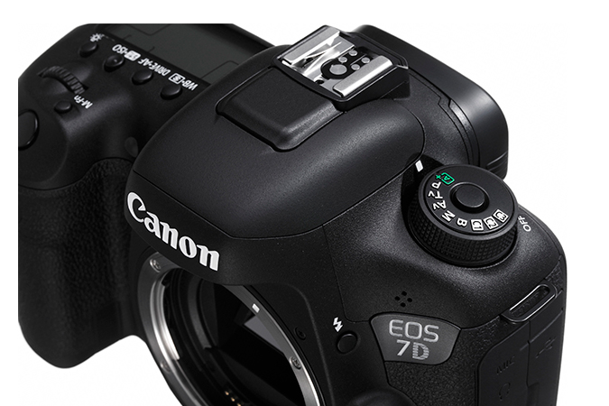 EOS 7D Mark II com Adaptador Wi-fi W-E1 view 7
